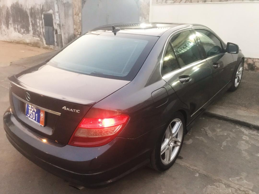 Mercedes C350 4Matic 2010