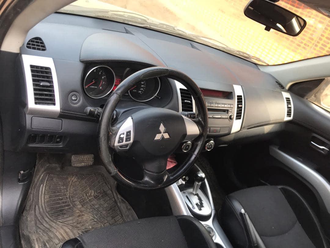 Mitsubishi Outlander 2011