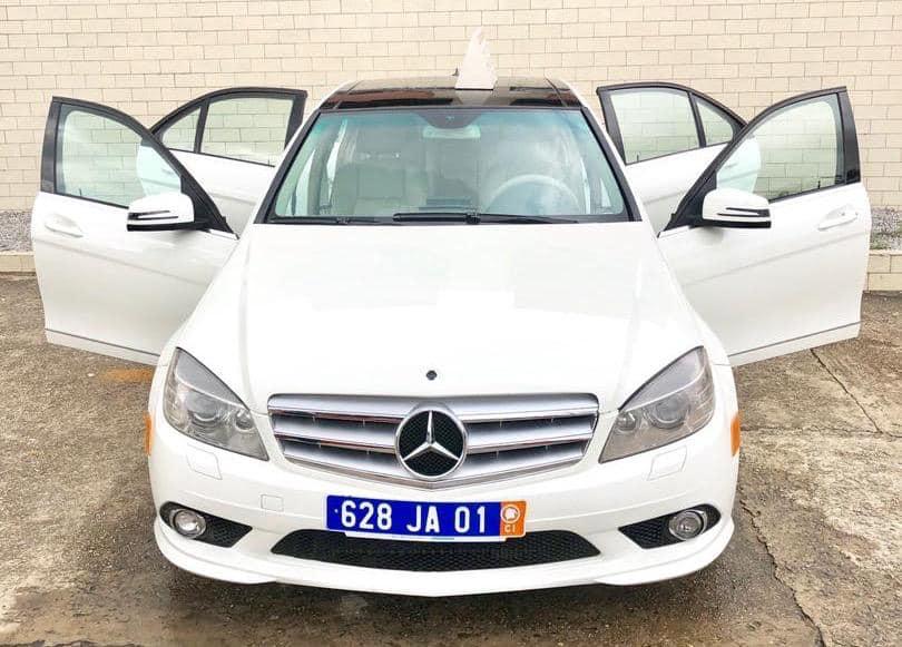 En Location Mercedes Benz C300