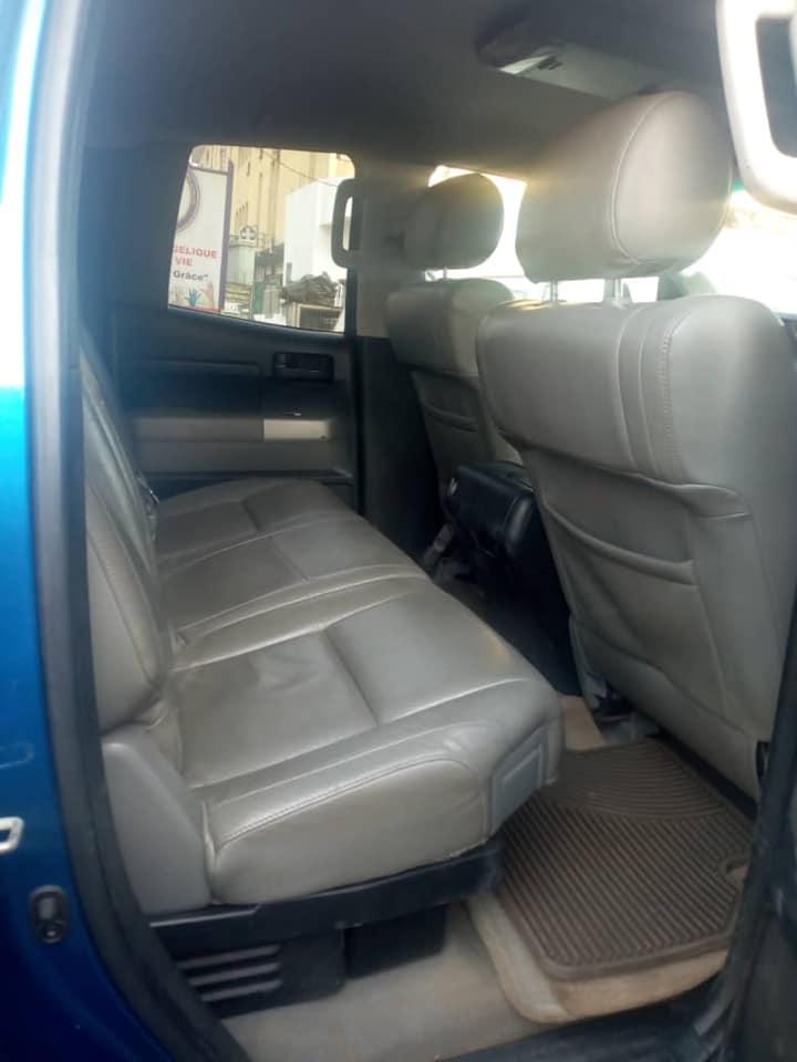 TOYOTA TUNDRA 2012 V8